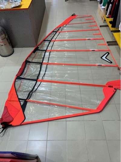 Vela Severne slalom 7.8