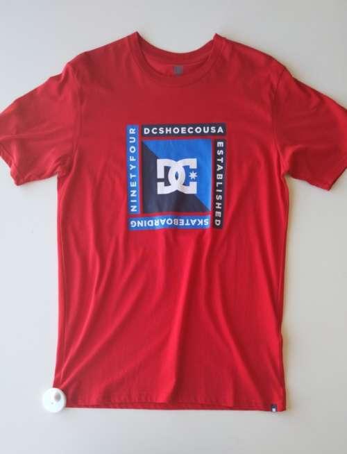 Camiseta DC Rebuilt XVIII Red